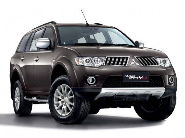 Off roading event of Mitsubishi Pajero Sport flags off in Hyderabad   CarTrade.com