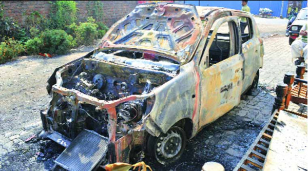 New Maruti Alto 800 goes up in flames within hours of being purchased | CarTrade.com