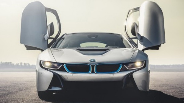 Next gen BMW i8 speculated to carry three electric motors | CarTrade.com