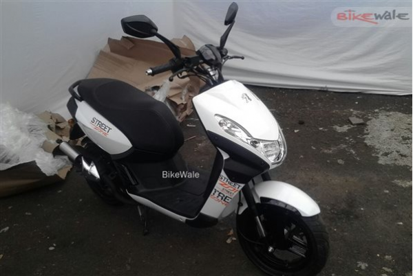 Peugeot Scooters spotted at Mahindra