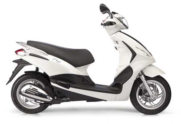 piaggio fly 125 scooter arrives in india for r d purpose. Black Bedroom Furniture Sets. Home Design Ideas