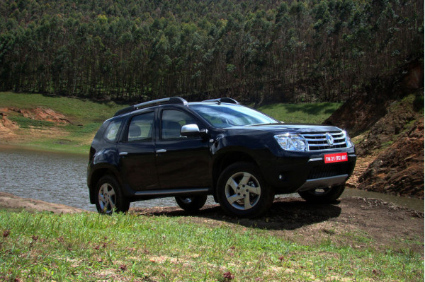 renault duster 4x4 likely to be launched soon. Black Bedroom Furniture Sets. Home Design Ideas