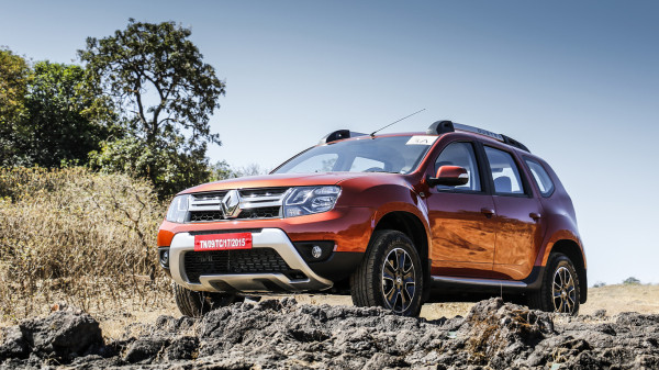 New Renault Duster First Drive - CarTrade