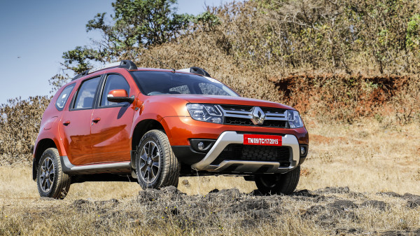 renault india offering heavy discounts on the duster. Black Bedroom Furniture Sets. Home Design Ideas