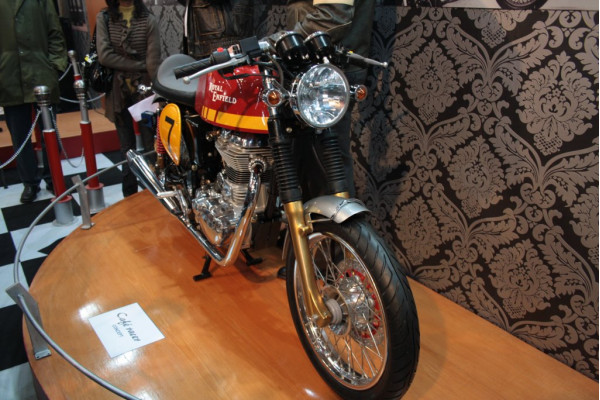 Royal Enfield mulling over a 250 cc model in India; Cafe Racer launch this year   CarTrade.com