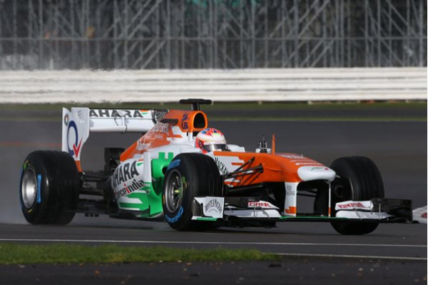 Sahara Force India pulled the wraps off its 2013 VJM06 F1 race car in Silverstone | CarTrade.com