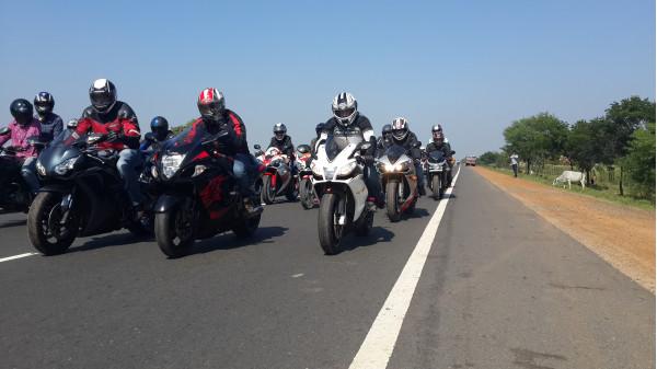 Second edition of Chai and Pakoda ride organised in Kolkata | CarTrade.com
