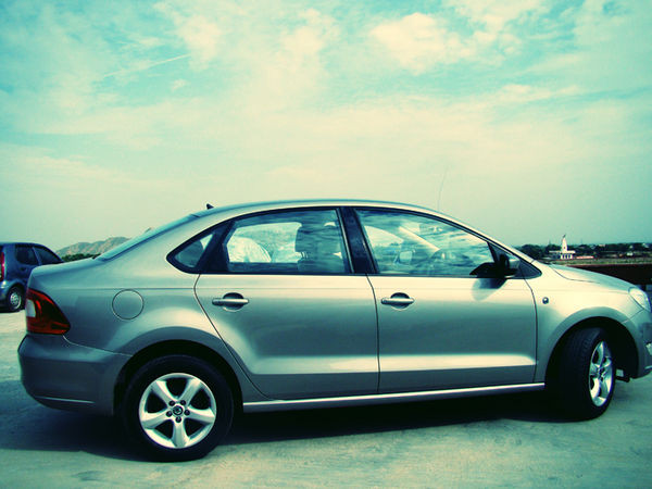 Skoda Rapid Leisure special edition model launched in India for Rs. 7.7 lakh | CarTrade.com