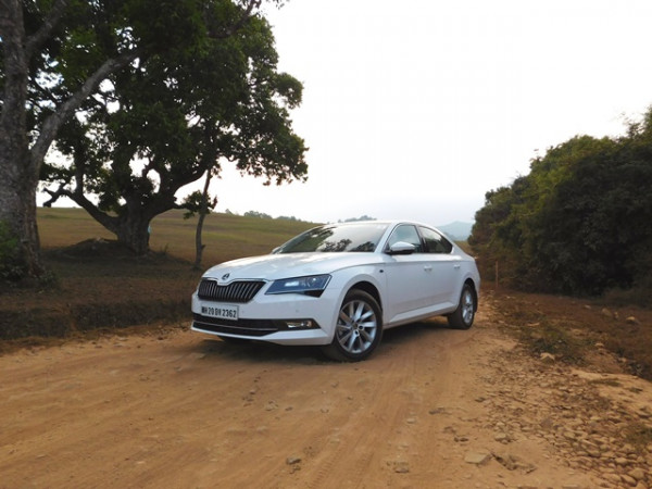 Skoda Superb 2.0-litre TDI DSG AT L&K first drive - CarTrade