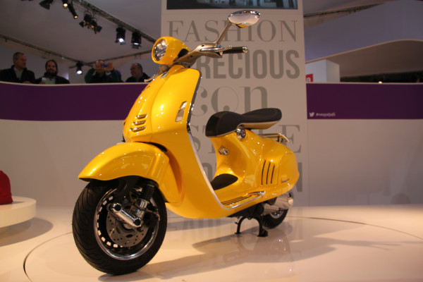 Special Edition Vespa 946 Bellissima launched at price of 499 | CarTrade.com