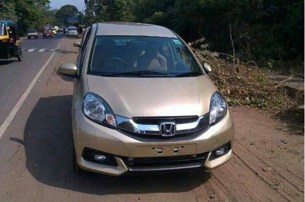 Spied-Honda Mobilio diesel in India