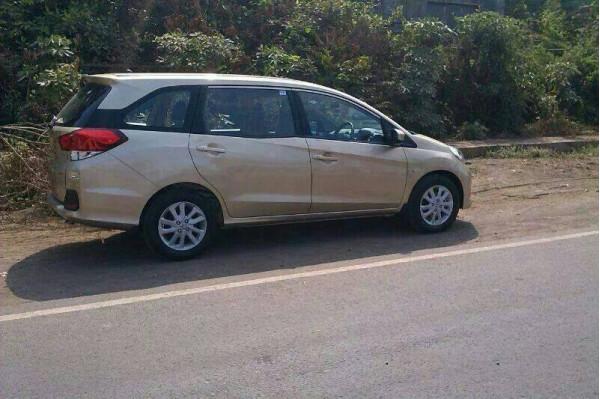 Spied-Honda Mobilio diesel in India | CarTrade.com