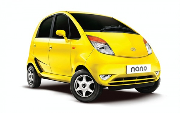 Tata Nano: Art in Motion entices New Delhi | CarTrade.com