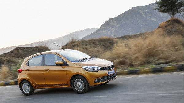 Tata Tiago Expert Review, Tiago Road Test - 206827 | CarTrade
