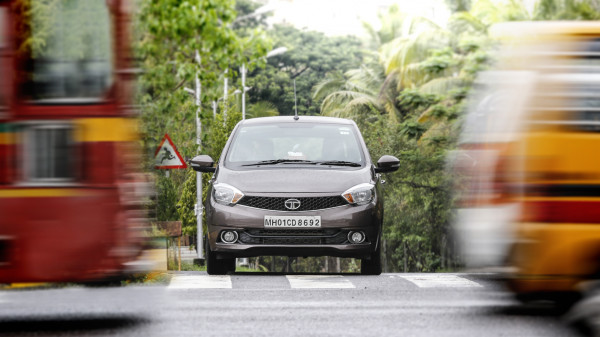 Tata Tiago Expert Review, Tiago Road Test - 206630 | CarTrade