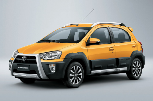 Toyota India plans to reduce waiting period of Etios Cross and new Corolla Altis | CarTrade.com