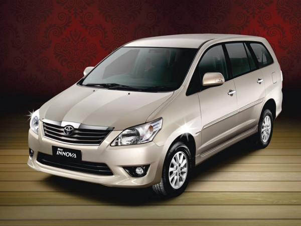 Toyota Innova facelift to be launched soon | CarTrade.com