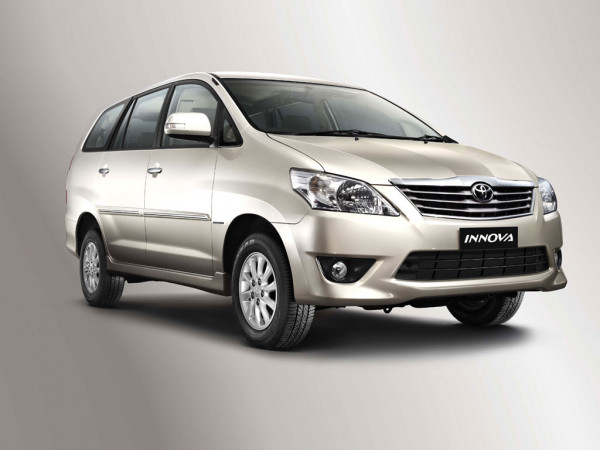 Toyota Innova facelift version likely to be introduced in the festive season | CarTrade.com