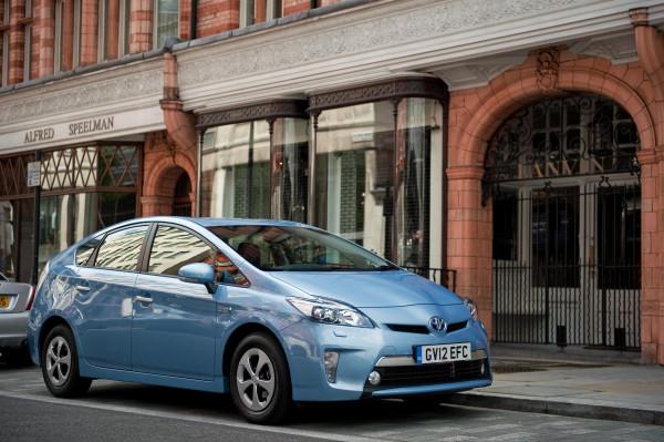 Toyota Prius announces global recall of Prius Hybrid car | CarTrade.com