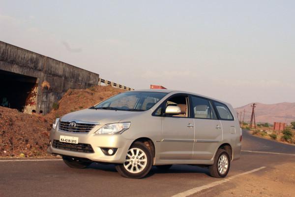 Toyota Innova Expert Review, Innova Road Test - 116792   CarTrade
