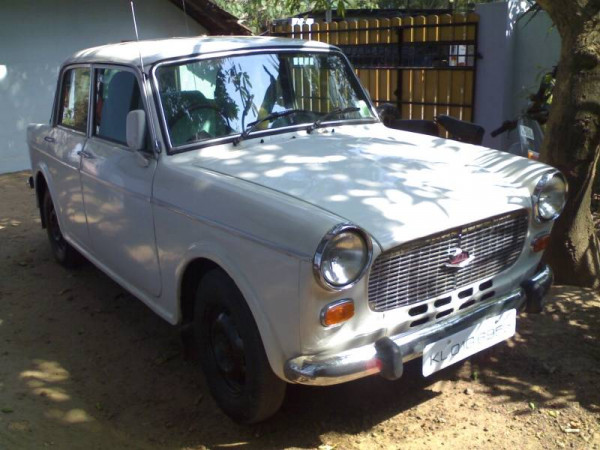 Two iconic cars: Premier Padmini and Hindustan Motors Ambassador  | CarTrade.com