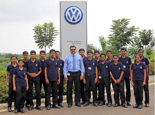 Volkswagen India kicks off Mechatronics Apprenticeship Programme at Volkswagen Academy in Pune | CarTrade.com