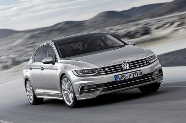 Volkswagen reveals official images of 2015 Passat saloon-Details inside | CarTrade.com