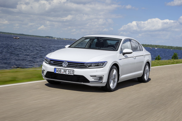 Volkswagen Passat Expert Review, Passat Road Test - 206570 | CarTrade