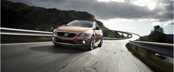 Volvo V40 posing stiff competition against Audi Q3 and BMW X1 | CarTrade.com