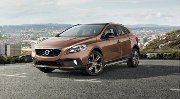 Volvo V40 crossover to mark its Indian debut on June 14, 2013 | CarTrade.com