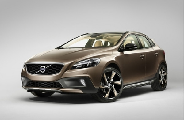 Volvo V40 to take on Mercedes-Benz A-Class soon in India | CarTrade.com