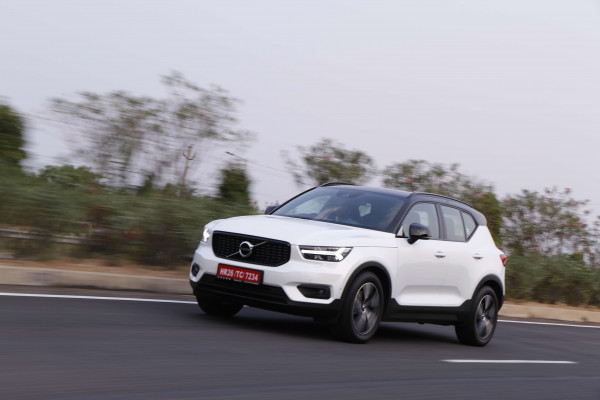 volvo xc40 expert review xc40 road test 207002 cartrade. Black Bedroom Furniture Sets. Home Design Ideas