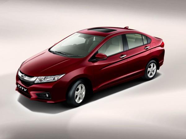 2015 Hyundai 4S Fluidic Verna Vs Honda City | CarTrade.com