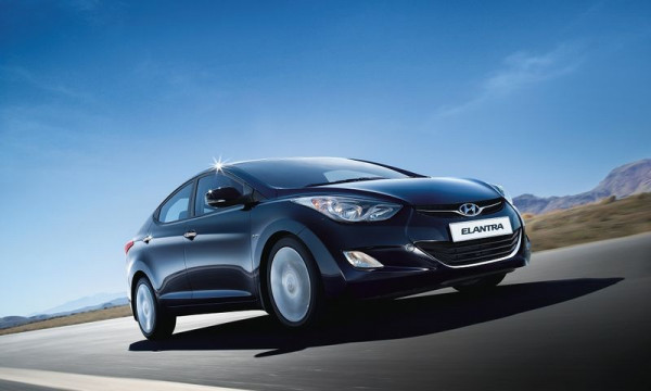 Hyundai Elantra facelift launch in mid-2015 | CarTrade.com
