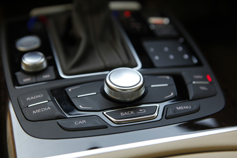 Audi A6 interior Image 13