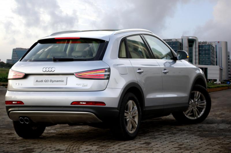 Audi Q Images Photos And Picture Gallery CarTrade - Q3 audi price