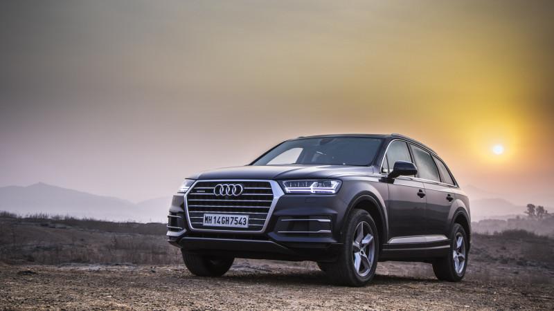 Audi Q Expert Review Q Road Test CarTrade - Audi q7 review