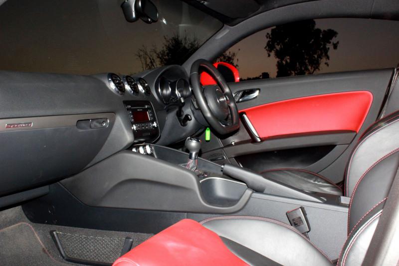 Audi TT Interior image 1