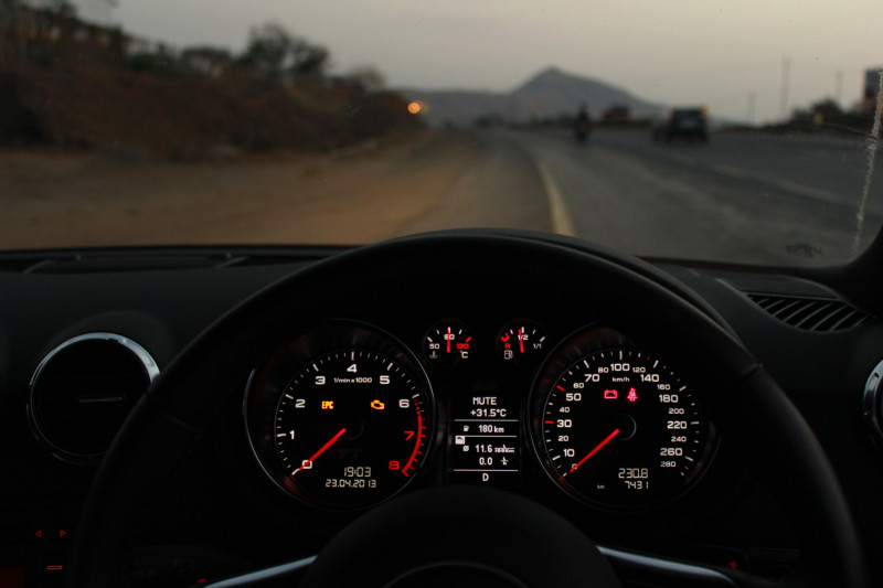 Audi TT Speedometer image