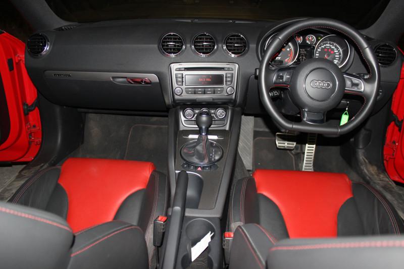 Audi TT dashboard