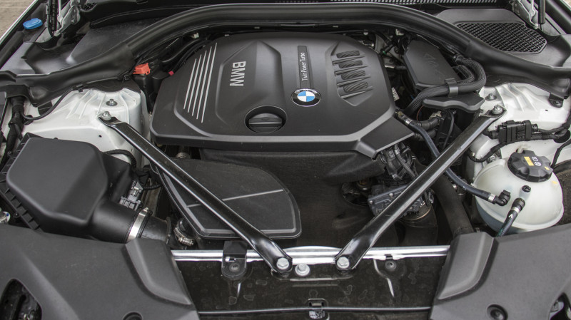 BMW 5 Series 520d First Drive Review - CarTrade