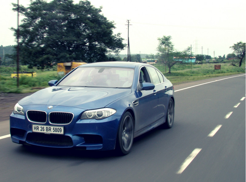 BMW M5 Expert Review, M5 Road Test - 116218 | CarTrade