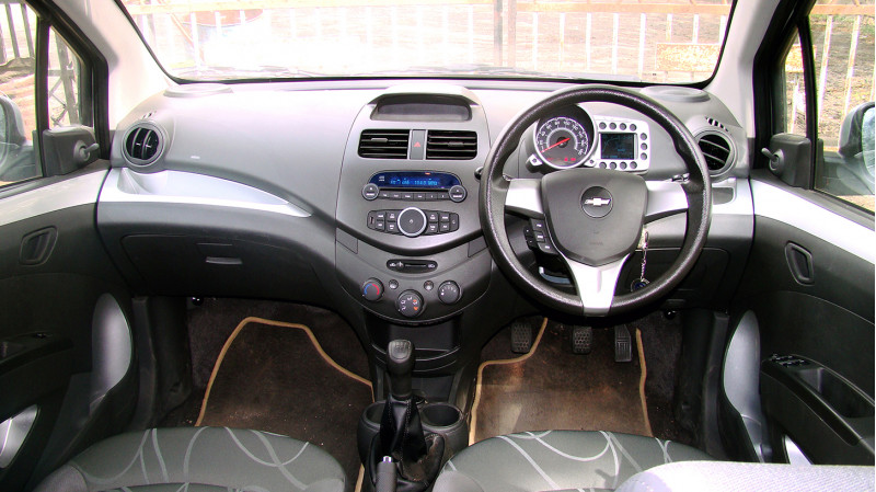 Chevrolet Beat Images 15