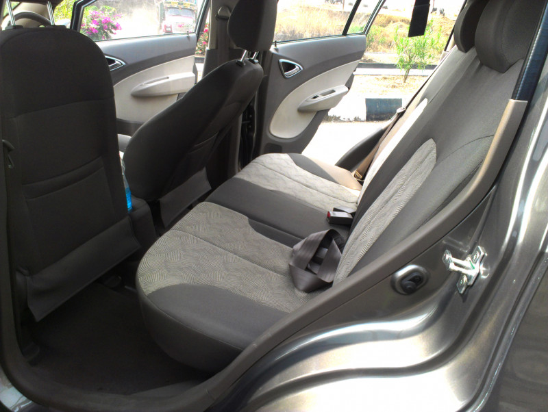 Chevrolet Sail U VA Rear Legroom