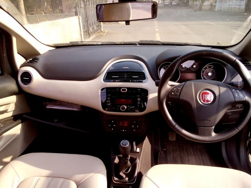 Fiat Linea Interior Pictures 20