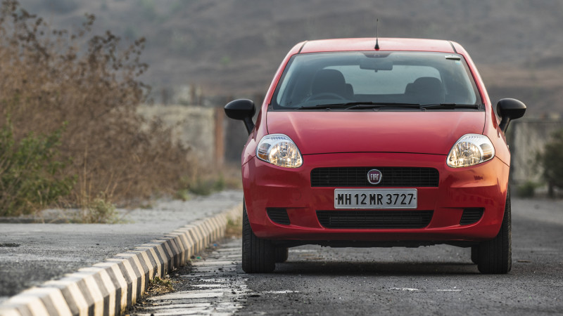 Fiat Punto Pure First Drive - CarTrade