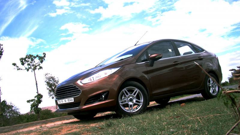 2014 Ford Fiesta Images 2