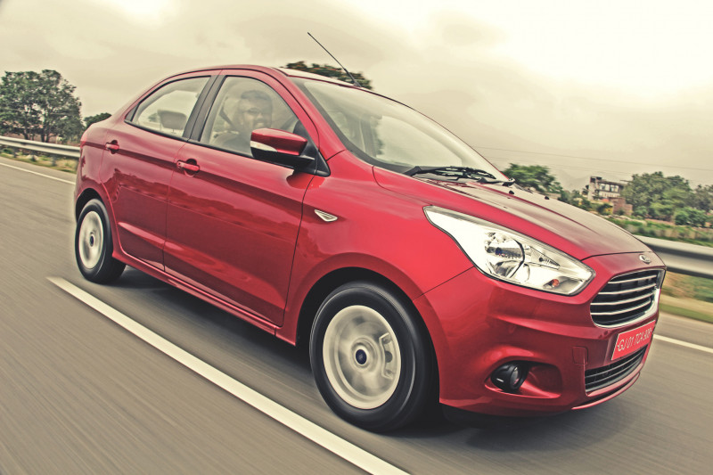 Ford Aspire First Drive Review - CarTrade