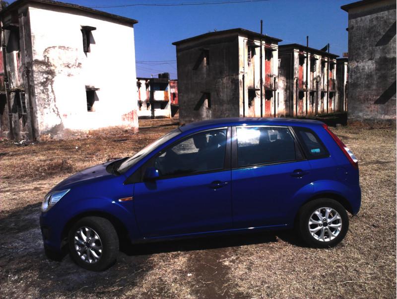 Ford Figo Side View picture
