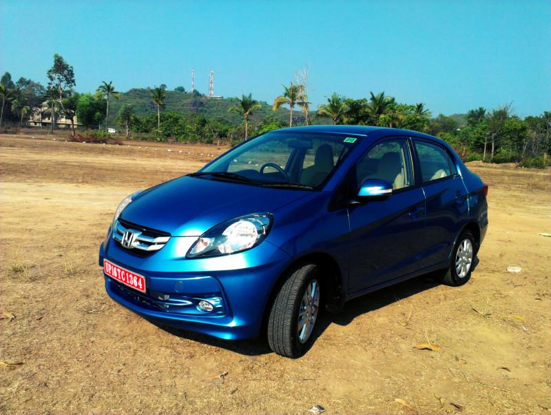 Honda Amaze on road price image